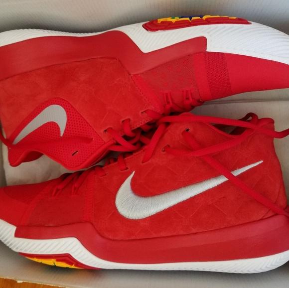 a1e52da9281c New Men s Nike Kyrie 3 Shoes size 10.5
